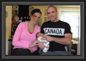 Image of Mylanie and Ryan with their new baby daughter Layla